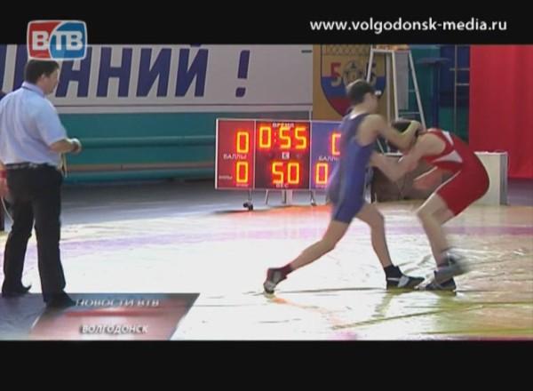 39 турнир по греко-римской борьбе памяти Ивана Смолякова