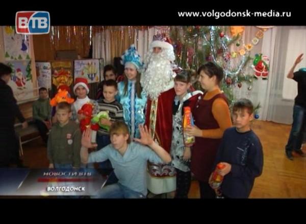 Новогодняя акция от молодёжи Волгодонска
