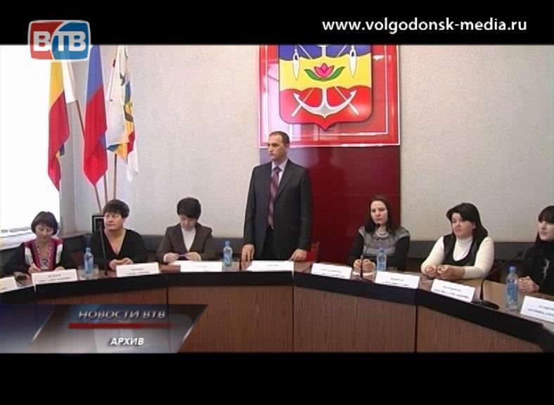 Политические партии-участники избирательной гонки определились сосписками кандидатов