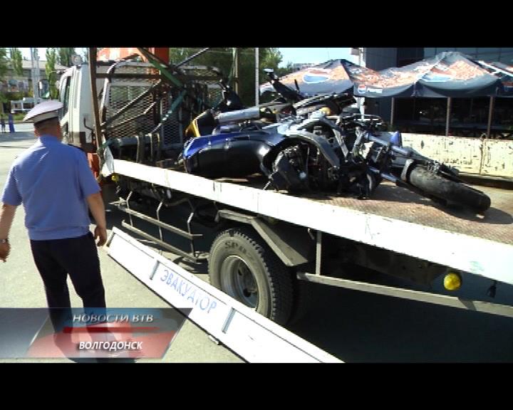 Волгодонцам показали скутеры, разбившиеся в ДТП
