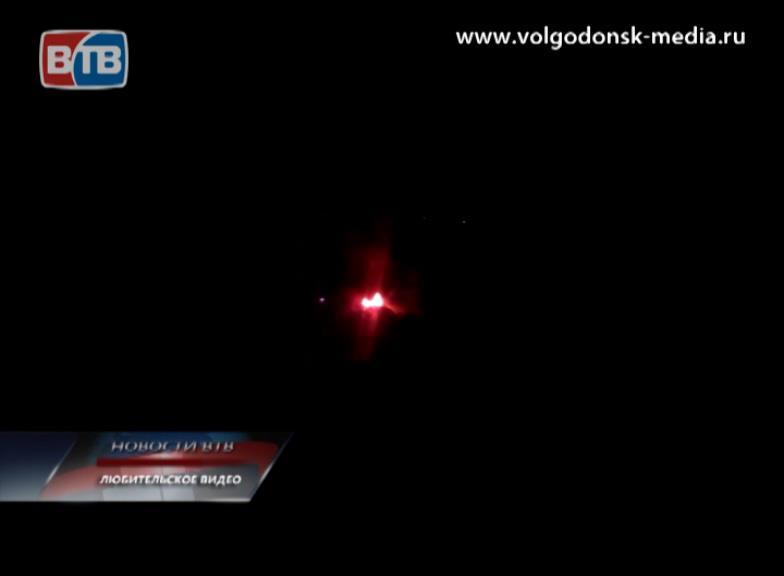 Вчерашний вечер ознаменовался очередным ЧП — наулице Весенней загорелся автомобиль