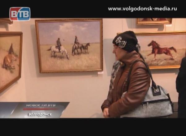 Спустя практически месяц после смерти Юрия Падалки, в художественном музее открылась выставка его работ