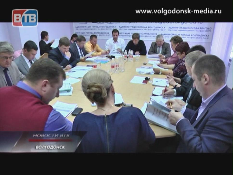 Прямой удар… по кошелькам. В Волгодонске возвращаются к системе прямых договоров на поставку электроэнергии. Горожанам теперь придётся платить больше.