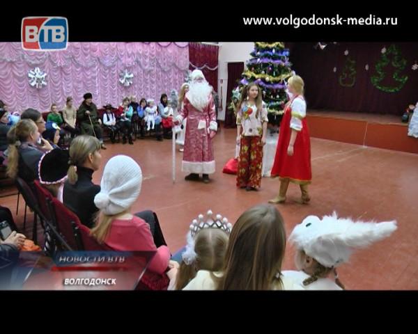 В 8 микрорайоне Волгодонска подвели итоги работы депутата Светланы Батаковой в 2013 году