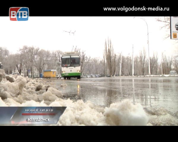 Отдел ГИБДД напоминает о мерах предосторожности для водителей и пешеходов в осенне-зимний период