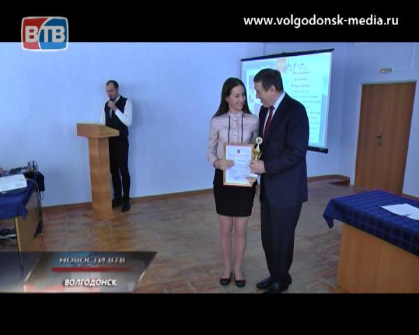 Победители и призеры муниципального этапа всероссийской предметной олимпиады удостоились награды мэра