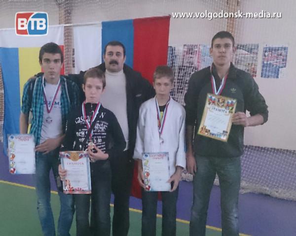 Волгодонские дзюдоисты снова привезли в город победные медали