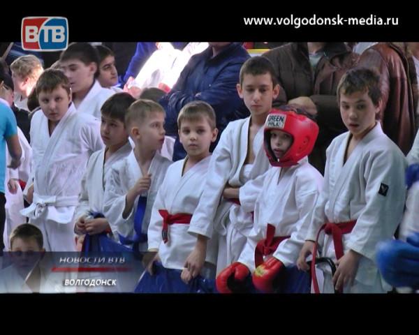 В Волгодонске прошел турнир по рукопашному бою памяти героя России Сергея Молодова