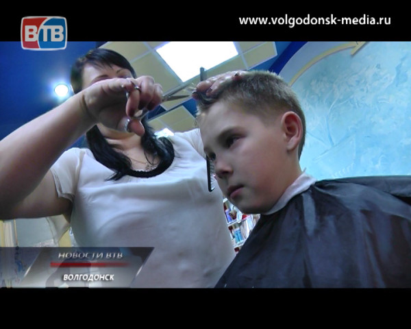 Мастера салона «Ювента» сделали прически воспитанникам школы-интерната поселка Виноградный