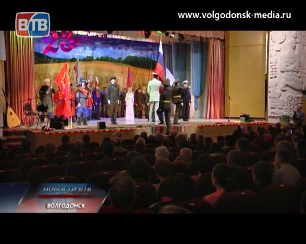 Во дворце культуры «Октябрь» состоялся праздничный концерт, приуроченный ко Дню защитника Отечества