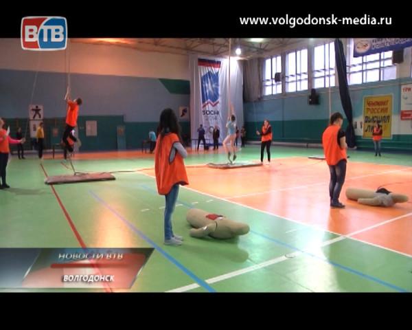 Накануне в спорт- комплексе «Олимп» прошли традиционные соревнования «Три богатыря», посвященные Дню защитника Отечества