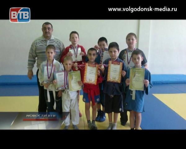 Очередные победы. Волгодонские самбисты вернулись с первенства с медалями