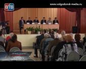 Мэр Волгодонска Виктор Фирсов встретился с жителями 1 и 2 микрорайонов города