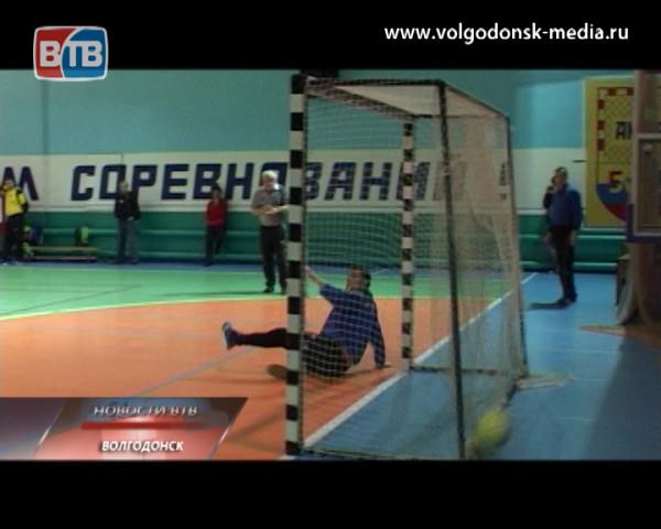 Зимовниковская «Улыбка» стала сильнейшей командой чемпионата города по мини-футболу в высшей лиге