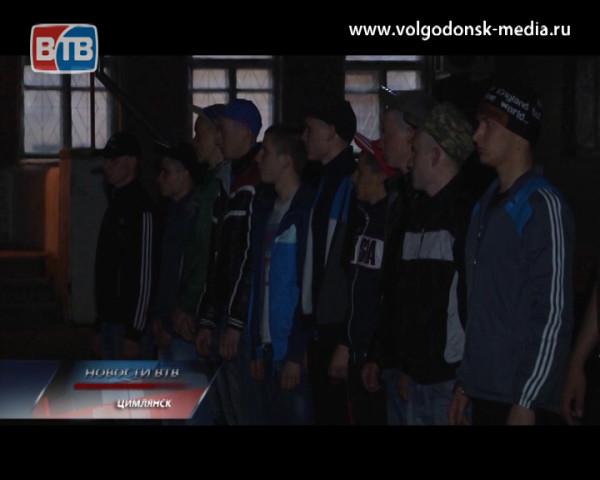 В Волгодонске и близлежащих районах стартовал весенний призыв. С каким настроением ребята уходят отдавать долг Родине?