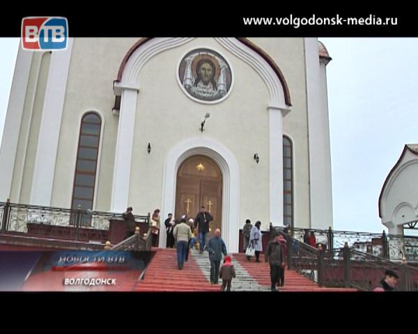 Волгодонск посетила икона Вифлеемских младенцев с частицами их святых мощей
