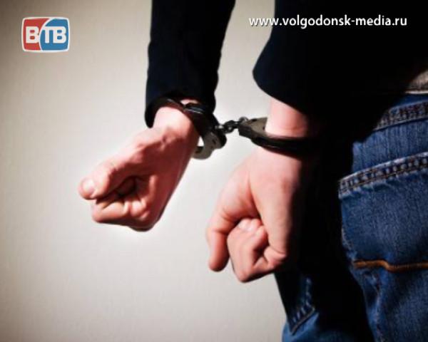 В Волгодонске задержан мужчина, предположительно, ограбивший таксиста