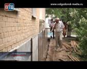 Ход работ по капитальному ремонту многоквартирного дома по улице Ленина, 16 проинспектировали представители Администрации Волгодонска