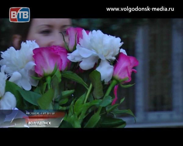 Волгодонск впервые принял участие в флешмобе женственности и красоты
