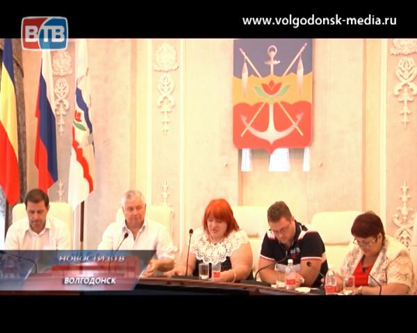 Депутаты раскритиковали отчёт начальника управления образования Нины Белан