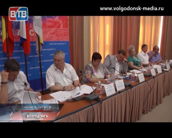 Дорожный фонд увеличится, в Волгодонске появится кодекс жителя, Дума лишится одного из депутатов, и другие итоги июньского заседания народных избранников