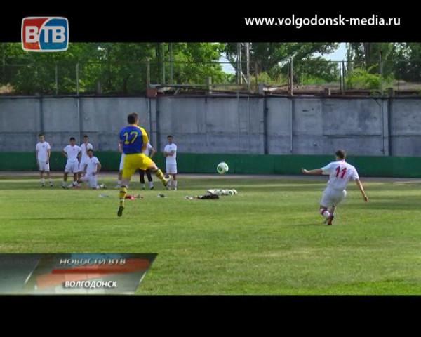 Волгодонский футбольный «Маяк» вдесятером не смог отстоять нулевую ничью с «Ростсельмашем»