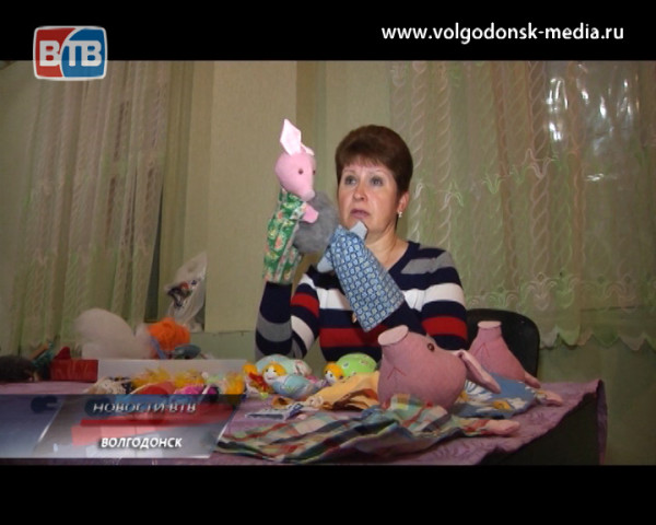 Ольга Уткина создает игрушки для кукольного театра своими руками