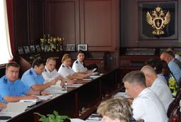 За выплатой заработной платы сотрудникам волгодонской птицефабрики следит областная прокуратура