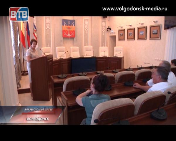 Представители Администрации Волгодонска пояснили местным предпринимателям закон о запрещении продажи слабого алкоголя