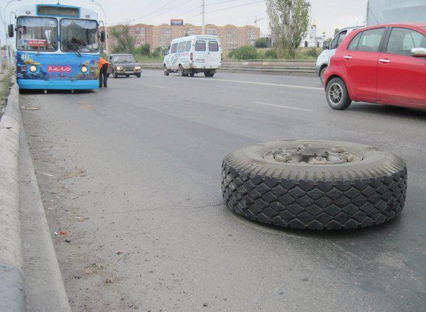 У волгодонских троллейбусов на ходу отваливаются колеса