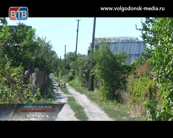 Дачники из садоводства «Маяк» остались в разгар сезона без света