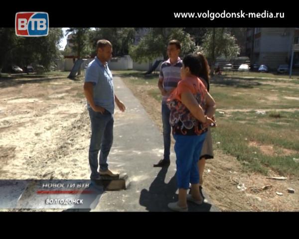 Владимир Биньковский и жители 6-го микрорайона вместе решают проблемы благоустройства