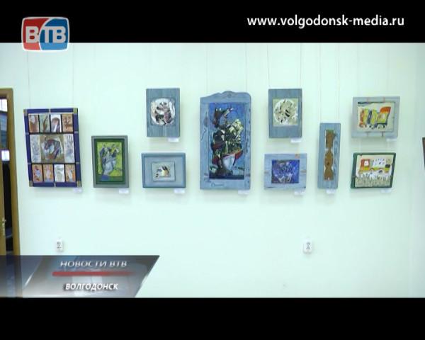 В художественном музее открыта выставка Георгия Лиховида