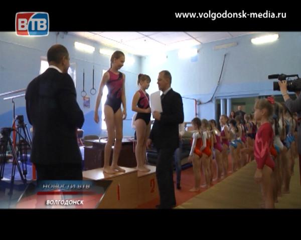 Волгодонские гимнастки привезли полный комплект медалей с соревнований в Нальчике