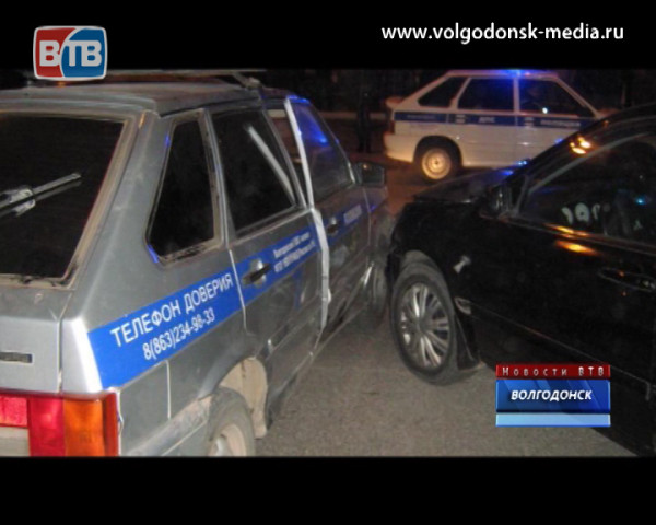 Пьяный водитель без прав, пытаясь скрыться от сотрудников ГИБДД, причинил травмы полицейскому