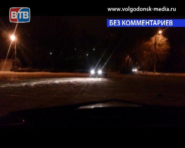 Чудеса на виражах демонстрировали волгодонские автолюбители на площади Гагарина