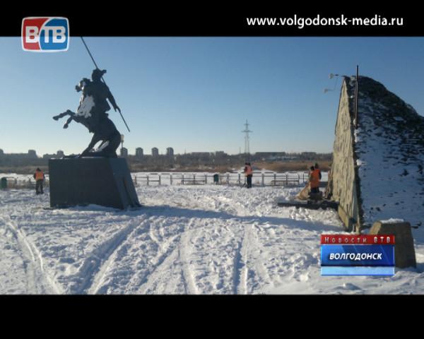 Памятник Якову Бакланову на городской набережной подвергся нападению вандалов