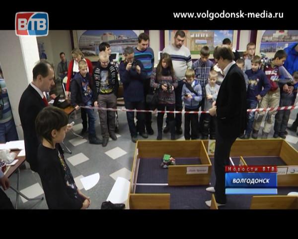 Механические огнеборцы. В Волгодонске прошли 6-е соревнвоания роботов-пожарных