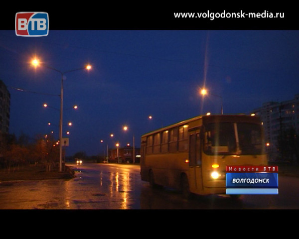 На улице Ленинградской — между проспектом Мира и улицей Карла Маркса, установлено наружное освещение