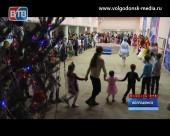 Депутат Георгий Ковалевский организовал для жителей 4 округа новогоднее представление с цирковыми элементами