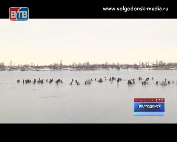 Волгодонские спасатели проводят рейды на льду