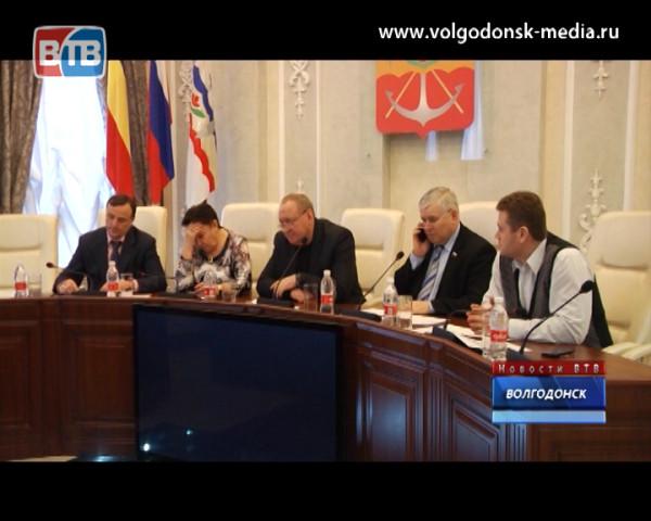 В пух и прах разнесли депутаты чиновников на комиссии по строительству