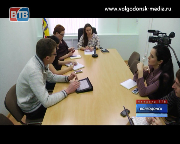 Не раскрывая всех карт. Начальник отдела по молодежной политике Анастасия Баженова дала пресс-конференцию.