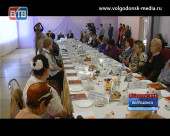 Андрей Иванов встретился с ветеранами за чашкой чая