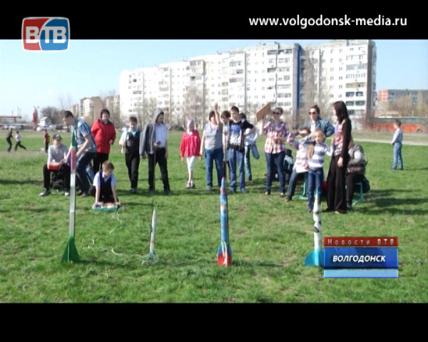 Юные конструкторы ракет отметили день космонавтики традиционными соревнованиями