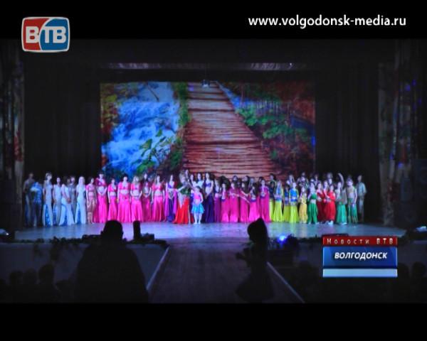 Студия танца «Аиша» подарила Волгодонску «Аленький цветочек»