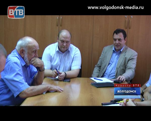 Волгодонск посетил известный российский правозащитник Александр Брод