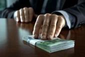 Волгодонскую бизнес-леди поймали на взятке
