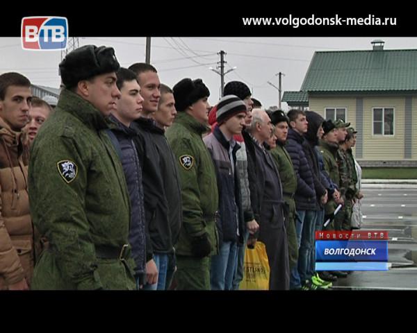Волгодонских старшеклассников познакомили с армейскими буднями