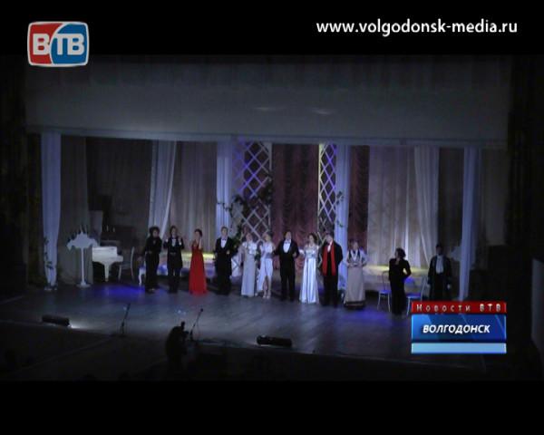 «Приглашение в замок» от студии классической пьесы «Гаранс»